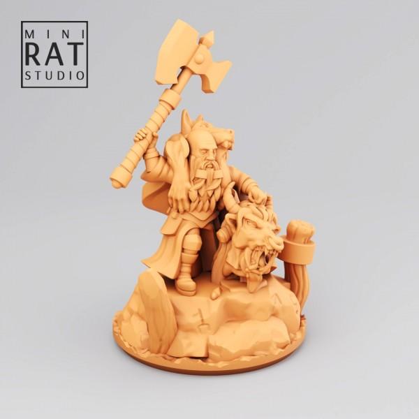 Empires of Man - Hero with Axe on Foot (MIniRat Style)